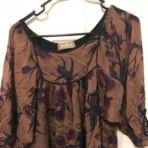 100% silk, Adorable, flowy blouse